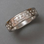 Bands 1-4: Aspen leaf pattern in white gold