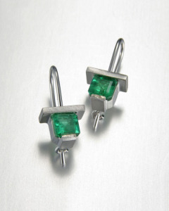 14kt. white gold square emerald drop earrings