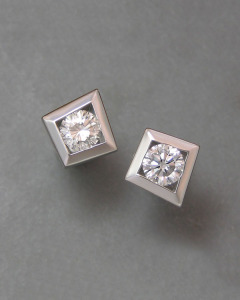 14kt. white gold kite shaped diamond stud earrings