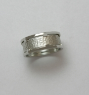 14k White gold band with geometric boarders and hammered center