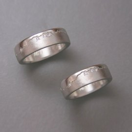 Mountain Bands 1-6: 14kt. white gold Skyline rings with small diamonds