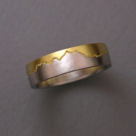 Mountain Bands 1-7: Platinum and 18kt. yellow gold Twin Peaks Skyline Ring