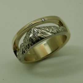 14k Yellow gold ring with 14k White gold Longs Peak Mountain