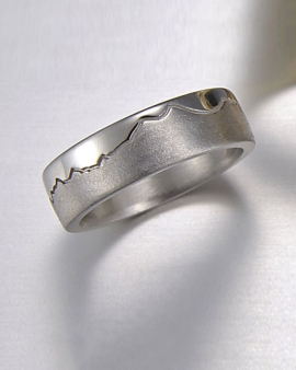 Mountain Bands 1-1: 14kt. white gold Twin Peak Skyline Ring