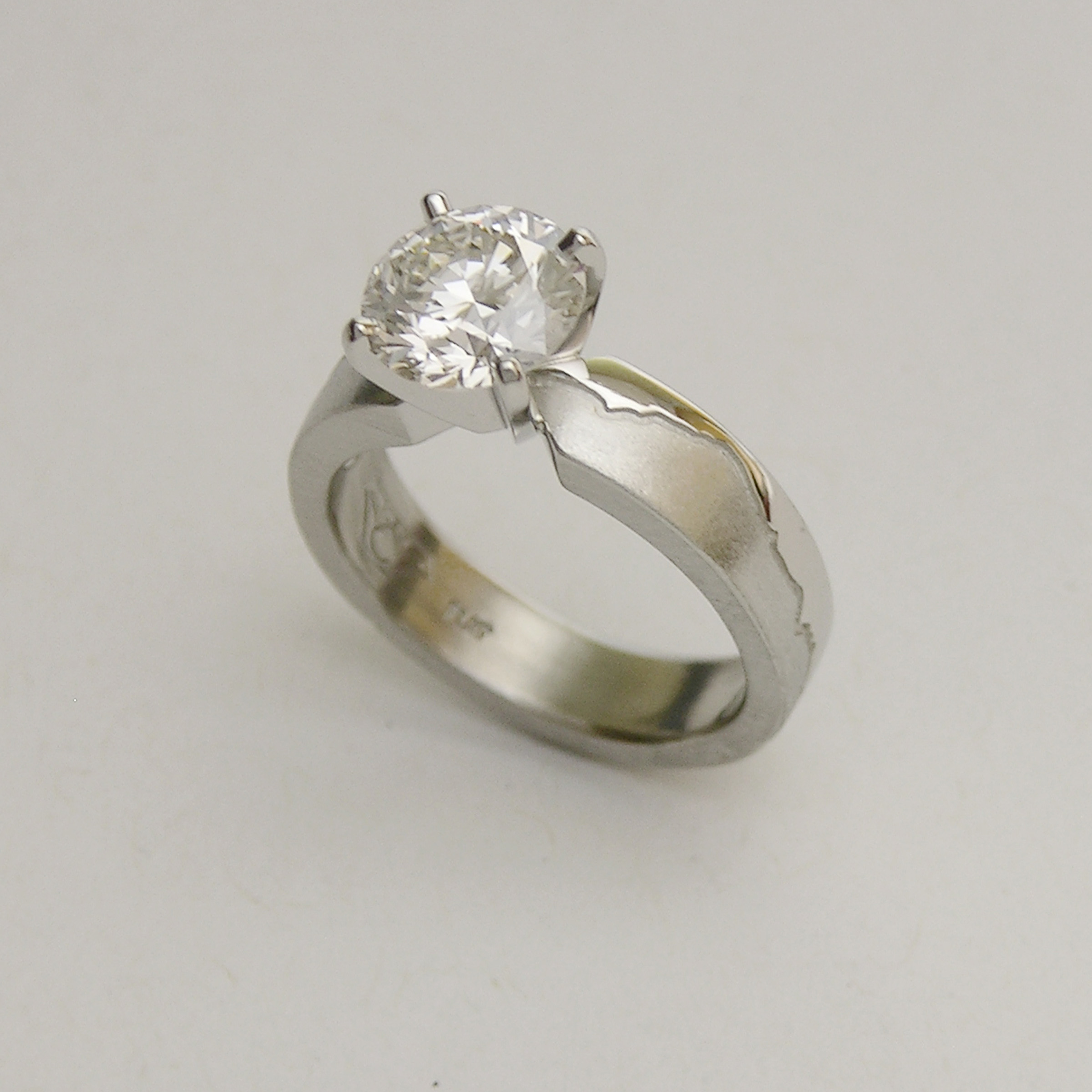 Platinum Pikes Peak Skyline Engagement ring wiht 1.75carat Lab Grown Diamond in 4prong head