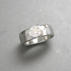 Platinum Aspen Skyline Engagement ring with .90carat Round Brilliant cut Diamond in partial bezel