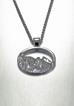 14kt. white gold large oval Flatirons pendant