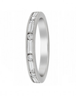 Alternating Baguette and Round Diamond band