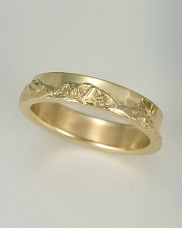 Gold Mountain Band Range Ring