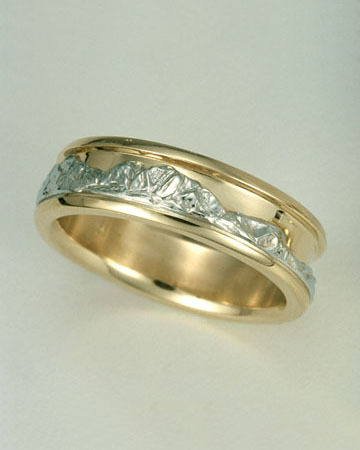 Standard Range Ring®, 14kt. White Gold mountains with 14kt. Yellow Gold sky and borders.