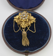 14k Yellow gold _ Beryl Memorial Brooch. Circa 1840